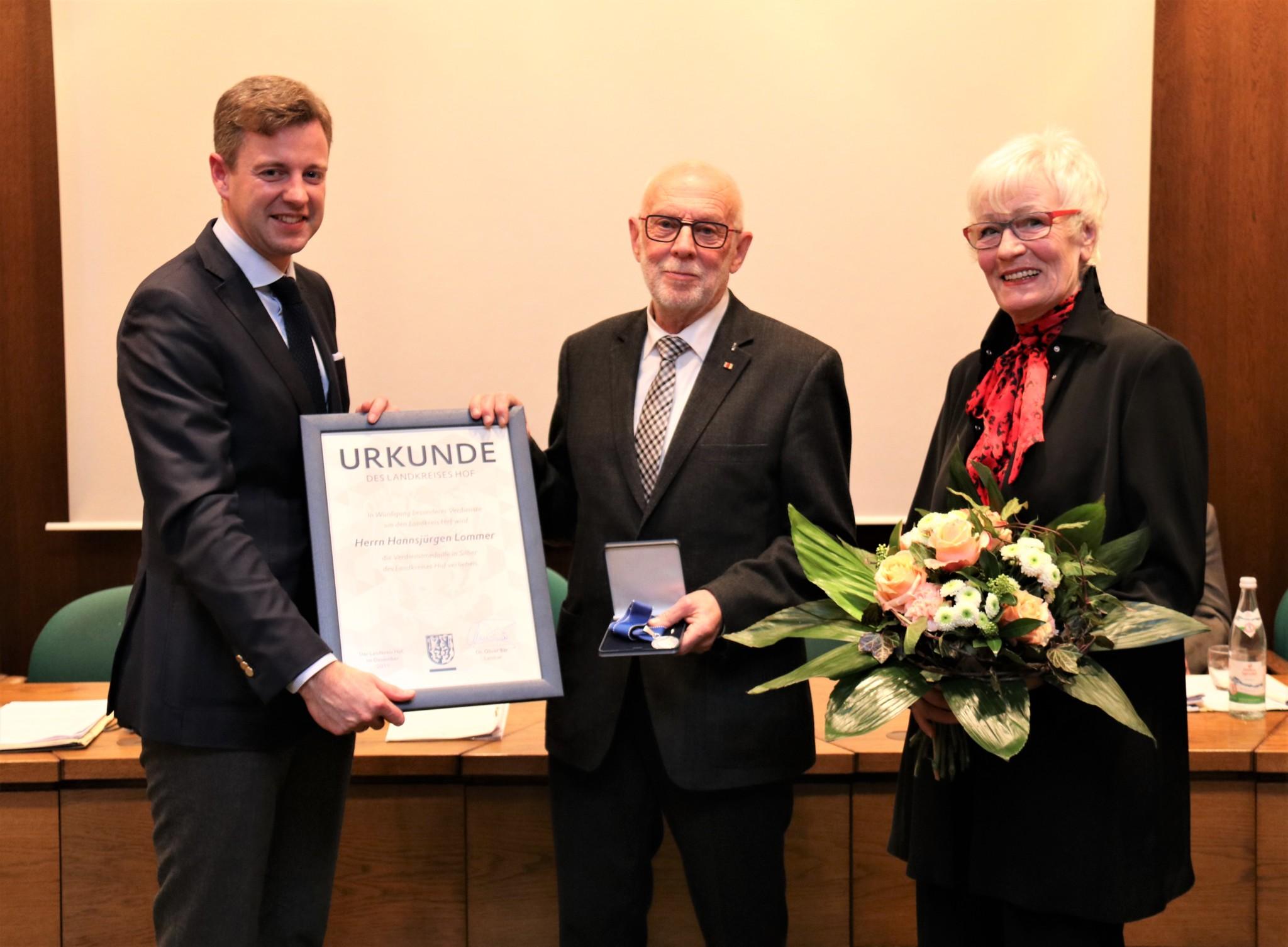 Scheidet 2020 nach 30 Jahren aus dem Kreistag aus: Hansjürgen Lommer, der gemeinsam mit Ehefrau Bärbel zur Ehrung gekommen war