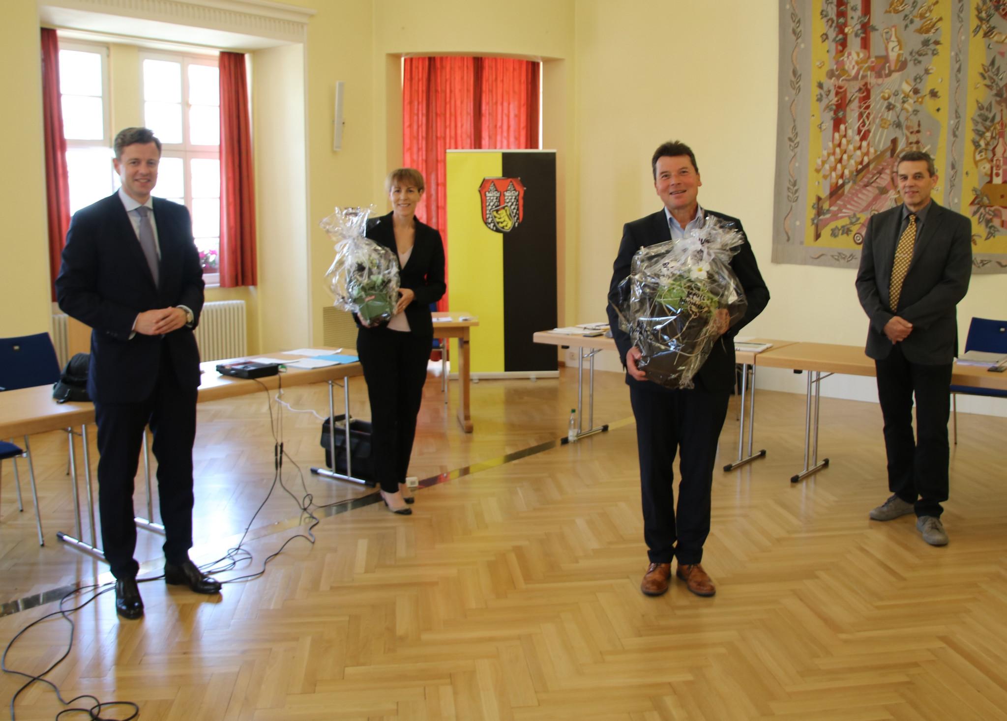 Im Bild von links nach rechts: Landrat und AZV-Verbandsvorsitzender Dr. Oliver Bär, Oberbürgermeisterin und neue stellvertretende AZV-Verbandsvorsitzende Eva Döhla, Dr. Harald Fichtner und AZV-Geschäftsführer Herbert Pachsteffl
